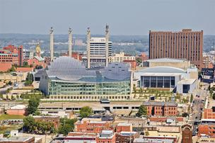 Kansas City skyline with Kauffman Center for the Performing Arts