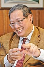 Q&A: Bloch School's dean, Teng-Kee Tan, discusses recent run of accolades