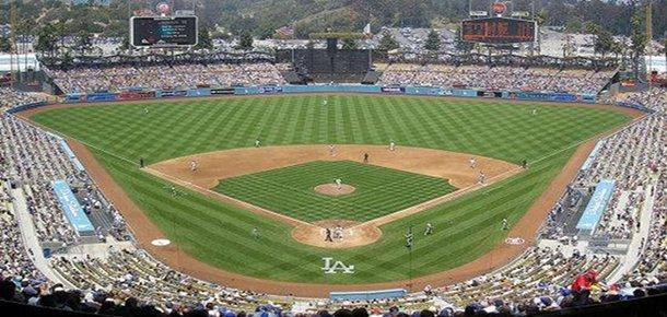 Reports indicated that Time Warner Cable has struck a deal to broadcast Los Angeles Dodgers games.