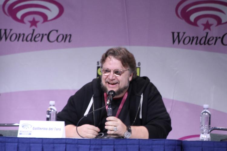 """Guillermo del Toro appeared at WonderCon to share an exclusive trailer of """"Pacific Rim"""" and answer fan questions about Warner Bros.' sci-fi tentpole."""