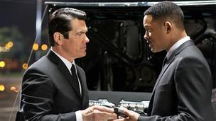 Josh Brolin and Will Smith in