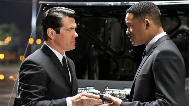 """Although it was just released on Friday, """"Men in Black 3"""" topped last week's Blu-ray sales and rental charts."""