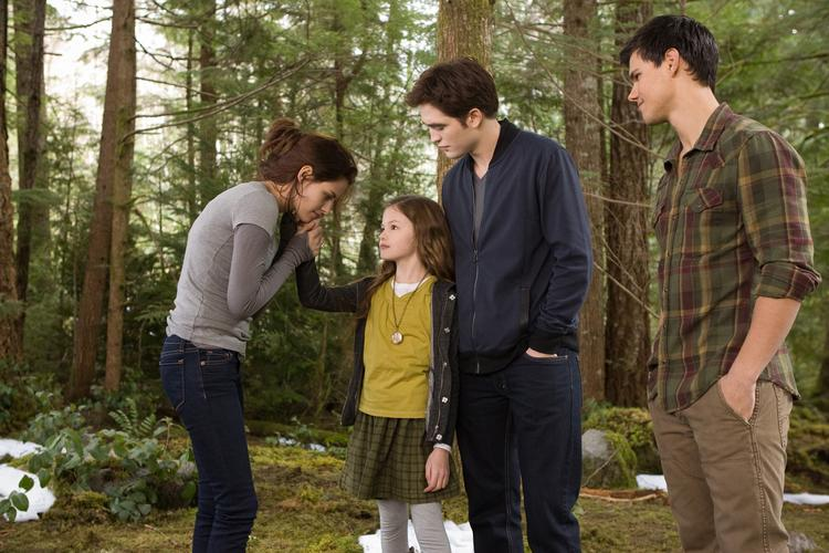 """The success of """"Breaking Dawn - Part 2"""" is helping push Lionsgate past some serious revenue marks."""