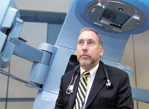 Dr. Edward C. Halperin is resigning from U of L to become the CEO and chancellor for health affairs of New York Medical College and provost for biomedical affairs at Touro College and University System.
