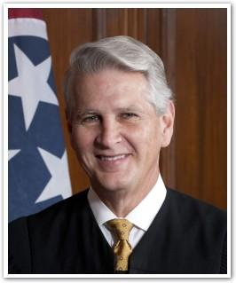 Tennessee Chief Justice Gary Wade hopes to encourage more pro bono work.