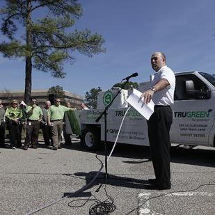 ServiceMaster unveiled its first hybrid truck to Memphis associates at its corporate office Thursday. Kirk Hurto, TruGreen's vice president of technical services, spoke to the group.