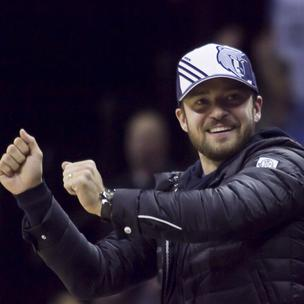 New Memphis Grizzlies minority owner Justin Timberlake celebrates court side during a game against the Los Angeles Lakers at FedExForum.