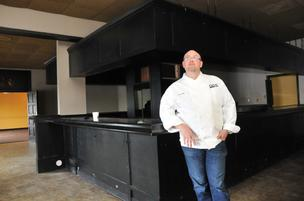 John Bragg, chef/owner of Circa, is moving his restaurant to the former Ronnie Grisanti's space on Poplar Avenue.