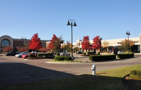 Poag Lifestyle Centers and an affiliate of DRA Advisors have purchased The Avenue Collierville.