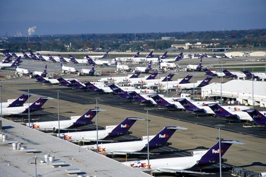 FedEx Corp. plans to move 19 million packages through its network Monday, which would be its busiest day in company history.