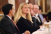 (Center) Jessica Lochmann, Foley & Lardner LLP