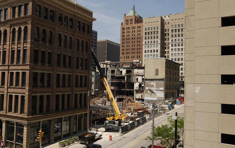 Consultant Donovan Rypkema told a local audience Monday that historic preservation and development are almost inseparable. His comments came on the heels of a recent debate over construction of the Milwaukee Marriott downtown.