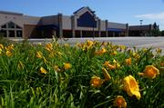 Walmart plans to open a new store in the vacant Lowe's Home Improvement building in Brown Deer.
