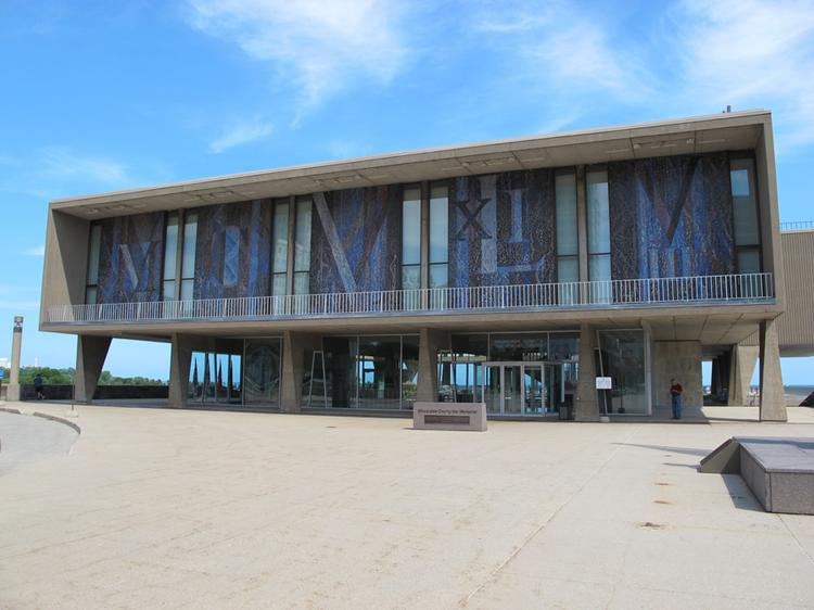 Deteriorating conditions at the War Memorial Center, most of which houses the Milwaukee Art Museum, are threatening millions of dollars worth of artworks displayed in the facility.