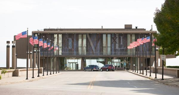 The Milwaukee Art Museum and the War Memorial Corp. will each have control over their respective spaces in the War Memorial Center under the new agreement.