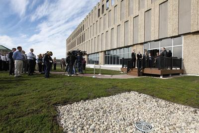 "Rockwell officials dedicate the company new ""green"" roof."
