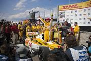 Hunter-Reay celebrates his victory.