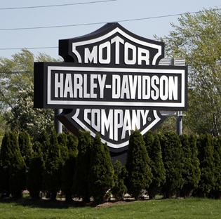 Wisconsin Highway 45, which runs near Harley-Davidson's Menomonee Falls facility, would be renamed after the company in a proposal by avid riders.
