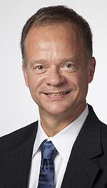 <strong>Emmons</strong> named dean of UWM Peck School of the Arts