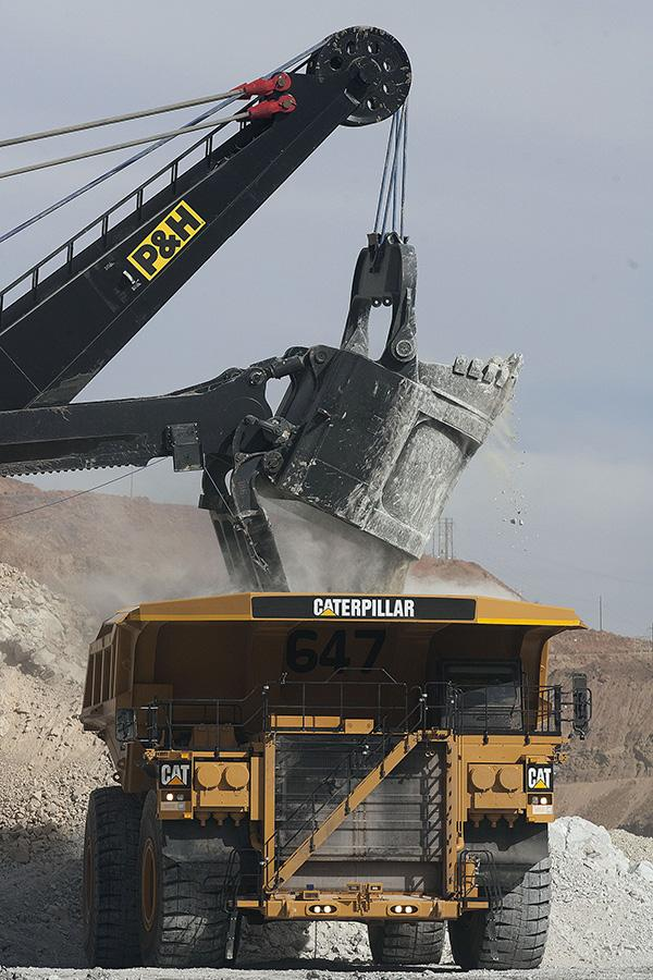 China, once considered the savior of the coal industry, now poses a challenge for mining equipment producers Caterpillar Inc. and Joy Global Inc. and their customers.