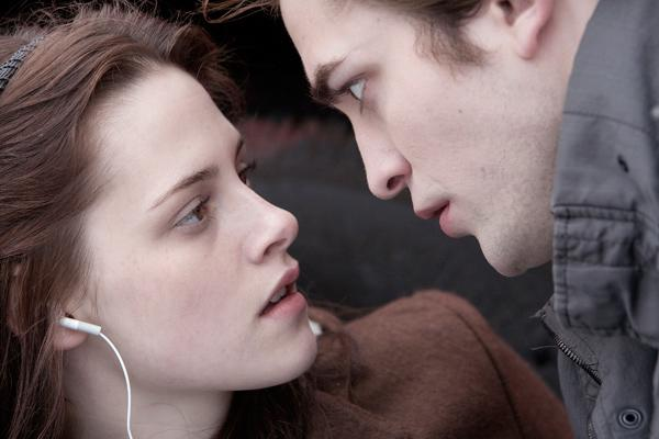 A still from the Twilight franchise, starring Robert Pattinson and Kristen Stewart. A Nielsen survey has found that Americans are not willing to give up their movies.
