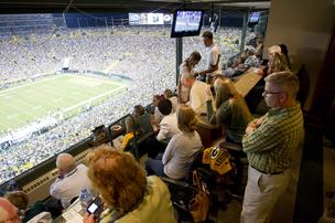 10. The Green Bay Packers — who are owned by more than 112,000 public shareholders — round out the top ten and are worth $1.16 billion.