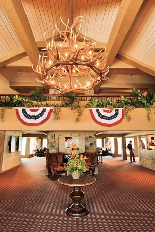 Lake Lawn Resort's lobby