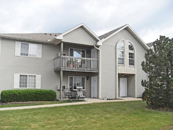 Ogden & Co. used local investors and bank financing to purchase the 40-unit Maplewood apartment complex in Caledonia.