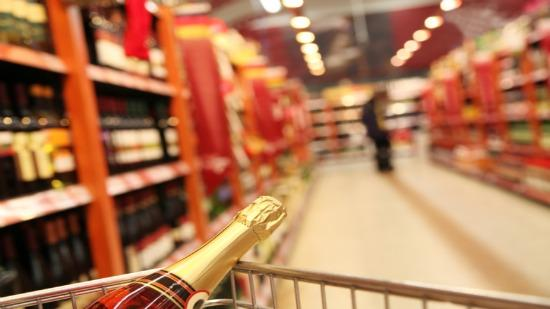 There are still many hurdles in the way of lawmakers approving the sale of wine in Tennessee grocery stores, Nashville attorney Will Cheek writes.