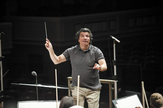 The Nashville Symphony has extended its contract with Giancarlo Guerrero through 2020.