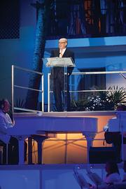 Gaylord CEO Colin Reed speaks to guests at Opryland hotel's reopening celebration last week.