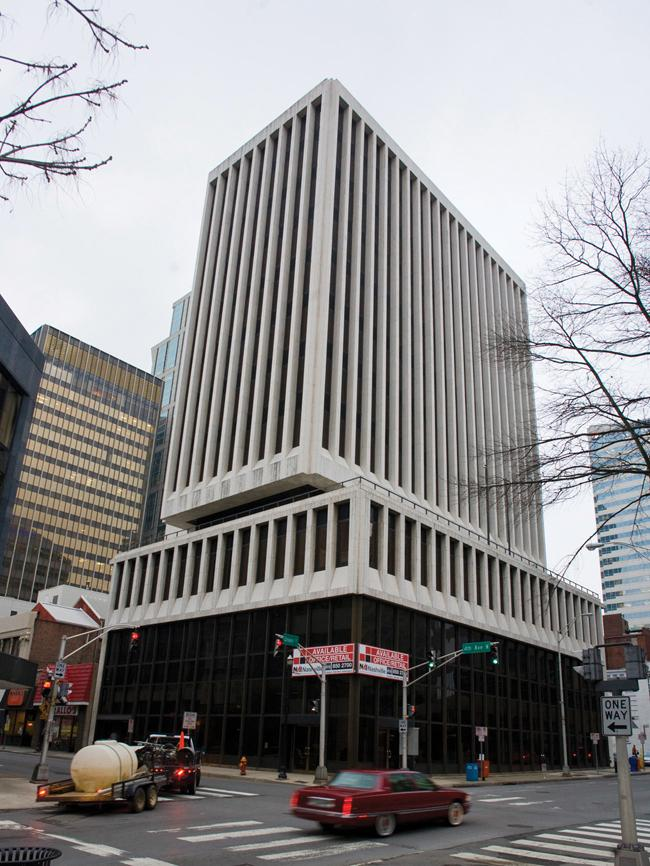 The high-rise at 401 Union St. is at the center of a dispute dating to 1973.