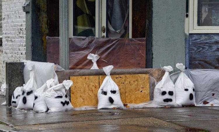 """""""Ghost bags"""" in Baltimore"""