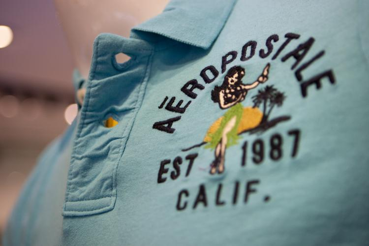 Aeropostale said it expects earnings to be about 20-24 cents per  share, a lot less than earlier estimates of 36-41 cents per  share.