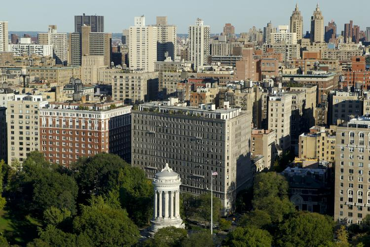 In 2012, the median Manhattan apartment price was its lowest since 2004.