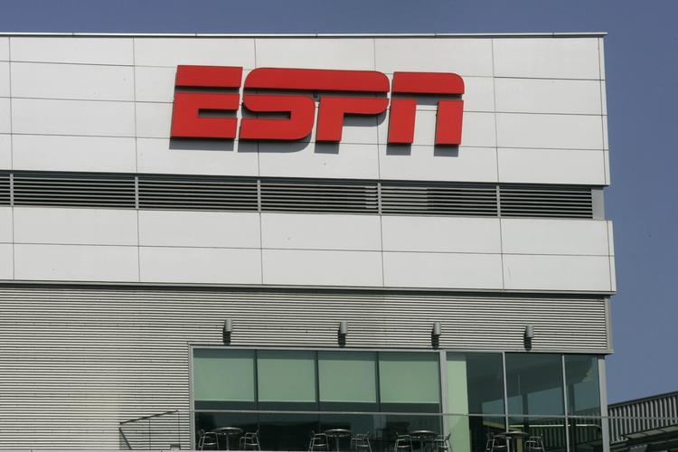 ESPN has struck a deal with AOL that it will allow AOL to offer the lionshare of ESPN's digital video content, including news and highlights.