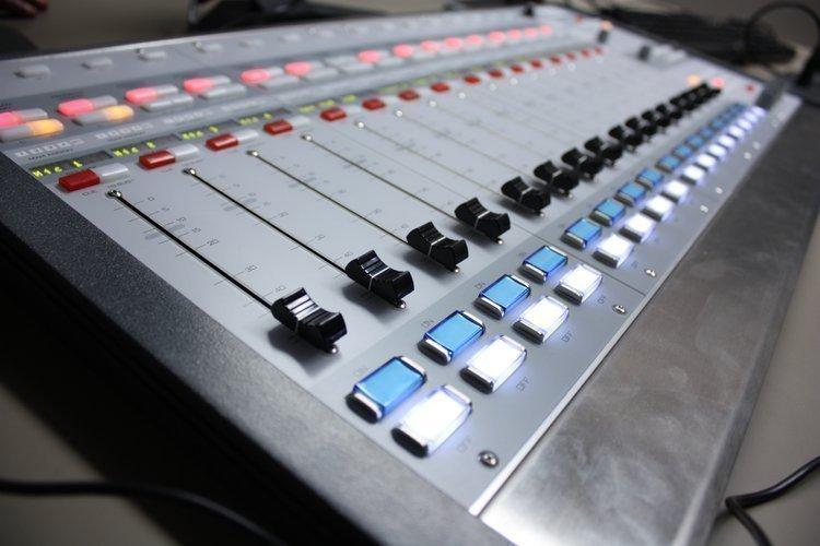 Texas radio stations KKBO-FM in Houston, KLOL-FM in Houston and KTCK-AM in Dallas won 2013 Marconi Awards.