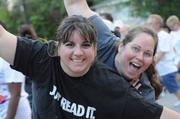 From left: Gena Marchant and Jennifer Janelle of the Orlando Business Journal team at the start of the IOA Corporate 5K.