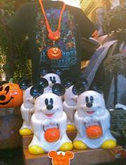 Here's a nice Halloween display at Walt Disney World's Magic Kingdom. Its Halloween celebration is a bit more kid friendly.