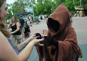 Jawas roamed the crowd and even agreed to a few trades with some fans.