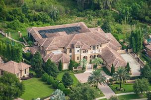 The Windermere home of Super Bowl champion Warren Sapp was auctioned off Nov. 1 for $2.1 million.