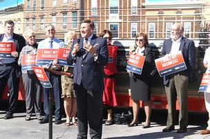 Rep. John Mica addresses the crowd at the rally.