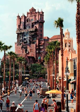 A $15 million lawsuit that was filed in 2009 against Walt Disney World related to the Tower of Terror attraction at Hollywood Studios was dropped Dec. 27.