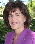 Karen Dee named 2011 Businesswoman of the Year