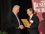 David Siegal accepting the second place Ultimate Top 10 award for Westgate Resorts