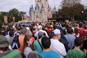I assumed my position in line. Here's the crowd in front of me...