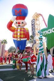On to a look at the Macy's Parade.