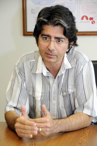 Honolulu-based billionaire Pierre Omidyar has hired Glenn Greenwald away from the Guardian for a new media venture.