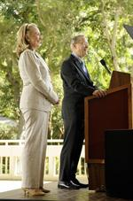 <strong>Clinton</strong> calls for U.S. to expand role in Asia-Pacific region