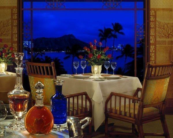 La Mer at the Halekulani hotel in Waikiki topped the Zagat survey of the top 10
